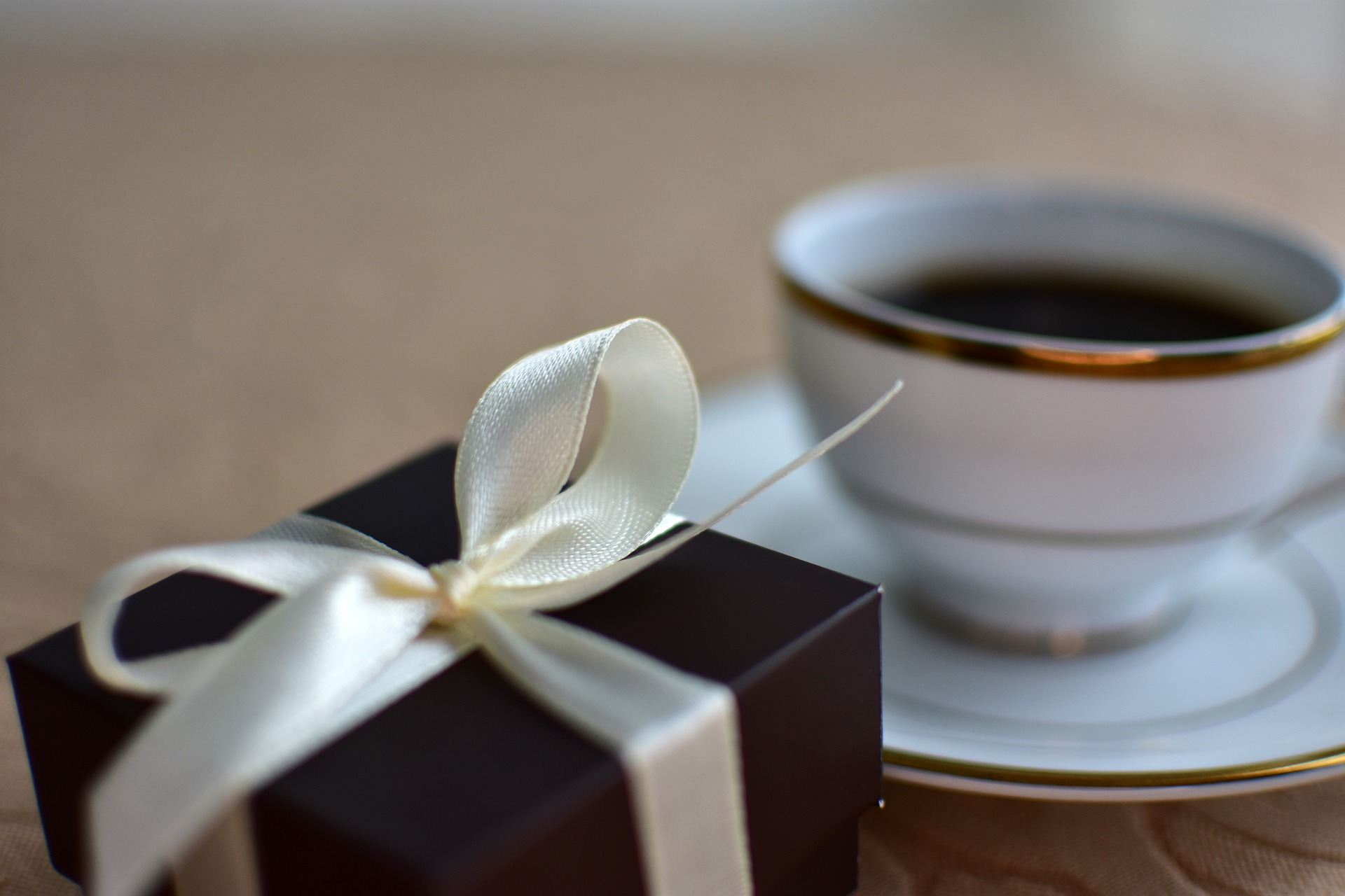 čaj s dárkem