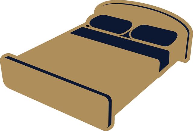 hnědá postel