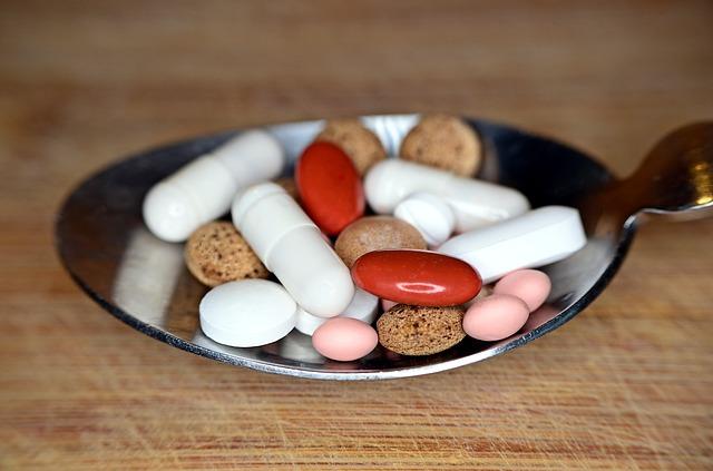 Medikamenty ve lžíci