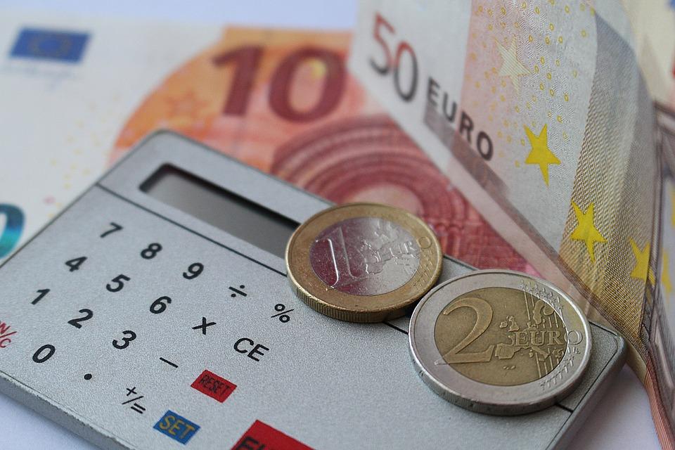 peníze v eurech